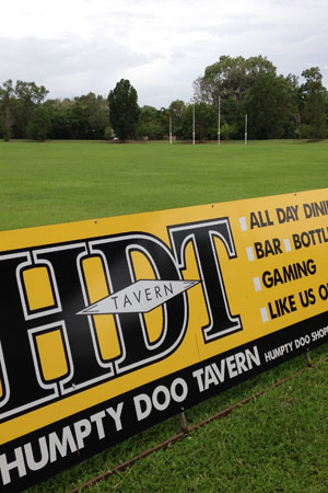 footy-field-sign